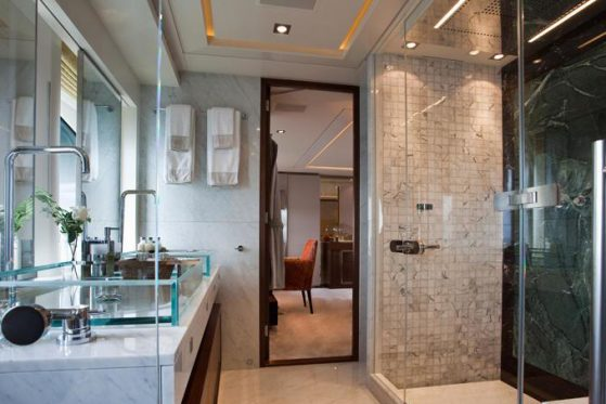 4YOU-yacht-guest-shower-room-27-large
